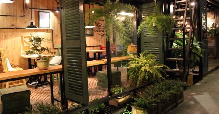 quán cafe container papa ở đà nẵng